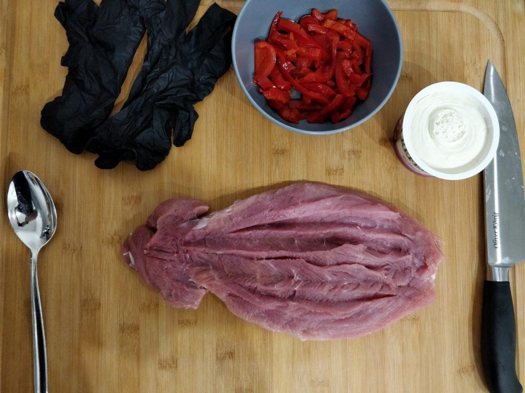 Schweinefilet mit Schmierkäse und Paprika im Baconmantel