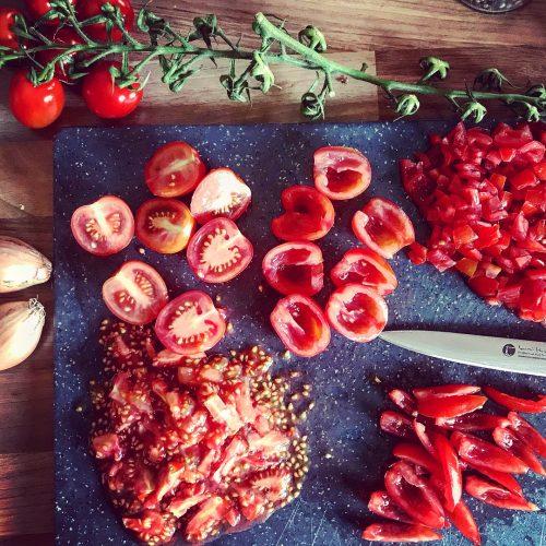 Zubereitung einer Bruschetta