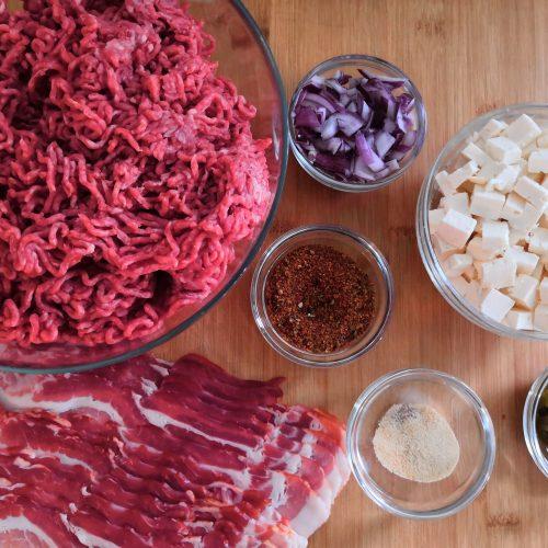 Zutatenübersicht Baconbomb mit Fetafüllung