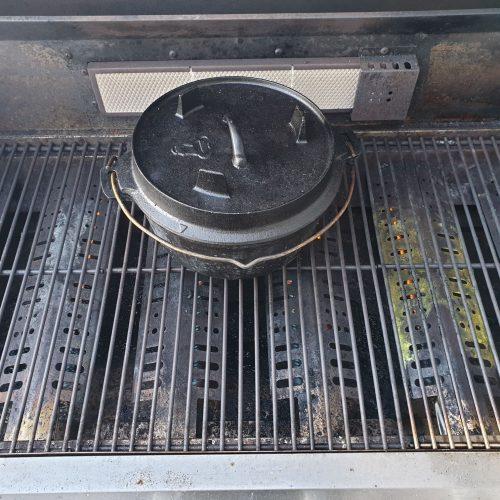 Dutch Oven auf dem Zunda MGG362