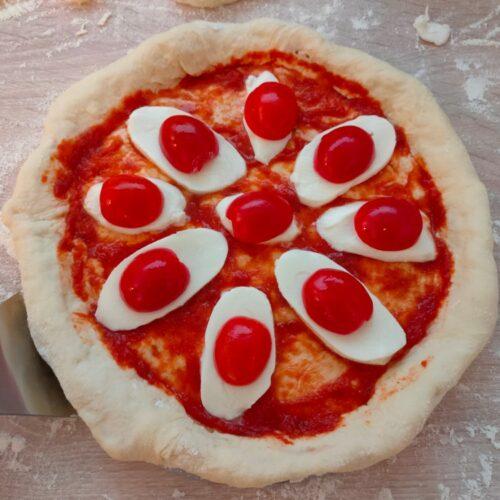 Rezept für Cheesy Crust Pizza vom Grill