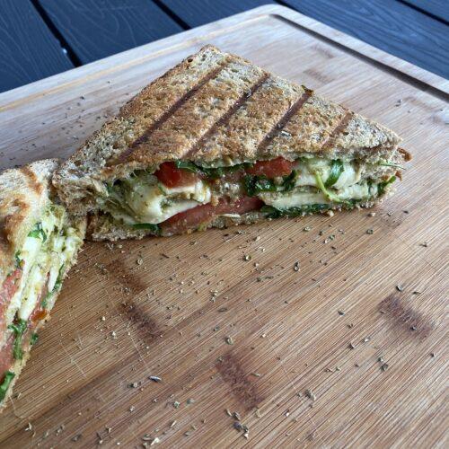 fertiges Sandwich vom Grill