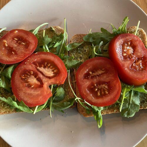 tomate_und_rucola_sandwich