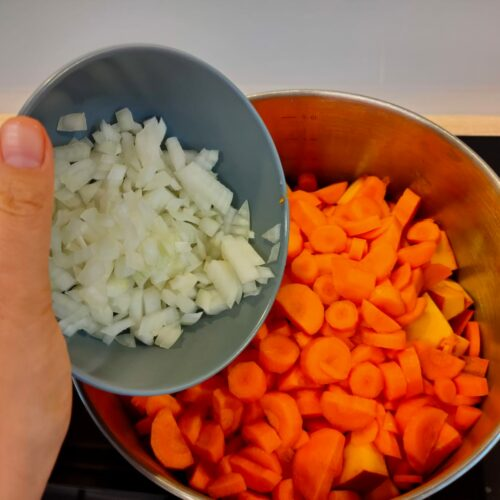 Kürbissuppe mit Ingwer und Garnelen