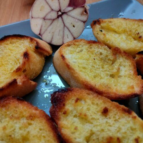 Knoblauchbaguette vom Grill
