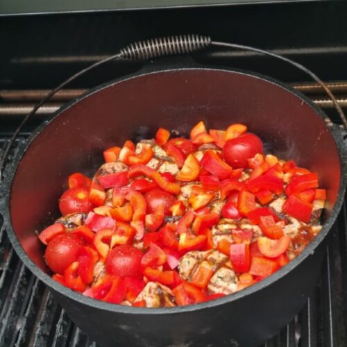 Hier bekommt ihr das Rezept für einen leckeren karibischen Filettopf aus dem Dutch Oven